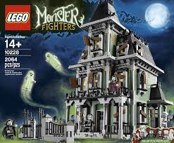 halloween house lights to music amazon com lego monster fighters haunted house 10228 toys u0026 games