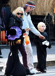 liev schreiber is 70s athlete at halloween party with naomi watts