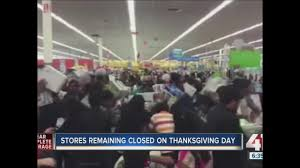 any grocery stores open on thanksgiving kc shopping malls to close on thanksgiving so employees can spend