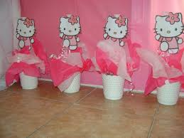 Homemade Table Centerpieces For Parties by Best 20 Hello Kitty Centerpieces Ideas On Pinterest Hello Kitty