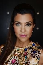 kourtney kardashian u201ci u0027m not wearing a bright lip for two years
