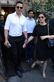 akshay kumar took wife twinkle khanna on a celebratory lunch date