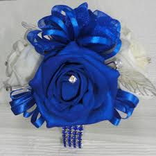 White Rose Wrist Corsage The Floral Touch Uk Com Wrist Corsages Prom Corsage Wrist
