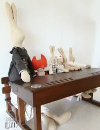 les de bureau anciennes pupitre bois vintage avec encriers grand modèle pour jouer à l