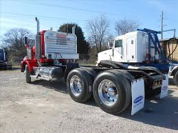 kenworth tractor trailer used 2007 kenworth t800 tandem axle daycab for sale in ms 6371