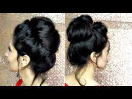 hairstyles with one elastic how to perfect messy bun with just a hair elastic youtube