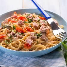 cuisiner l espadon recette spaghetti à l espadon et aux petits fenouils