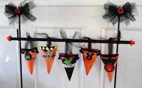 halloween party favor ideas 21 halloween party favors and treat bag ideas hgtv playdough
