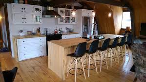 cuisine bois massif armoire de cuisine bois massif cuisine sur mesure cuisine en bois