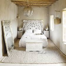 chambre inspiration indienne carved 160 solid mango wood headboard in white with distressed