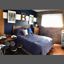 Hockey Teen Bedroom Ideas Finished Renovating My Son U0027s Bedroom From A Little Boys To A Pre