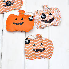 super cute halloween treats bags 3 ways pillar box blue