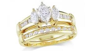 gold wedding rings why gold engagement rings still rock black diamond ring