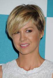hairstyle wedge at back bangs at side 11 best wedge hairstyles images on pinterest short hair styles
