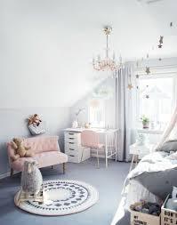 sous bureau fille 1001 conseils et idées pour une chambre en et gris sublime
