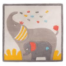 tapis chambre bébé tapis de chambre bébé en 110x110cm les papoum de moulin roty