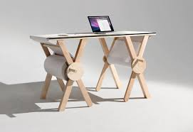 bureau de dessin sketch desk un joli bureau pour dessiner et noter toutes vos