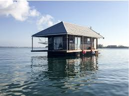 how to build a small house how to build a houseboat