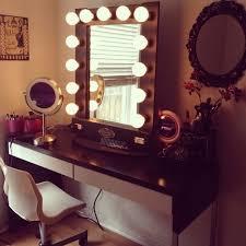 Makeup Vanity With Lighted Mirror Vanity Table Set With Lighted Mirror Image Of Makeup Vanity Table
