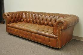 henredon rolled arm english style button tufted brown leather