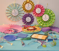 New Years Eve Table Decorations Ideas by New Year U0027s Paper Fan Clock Decorations U0026 A Nye Party Building