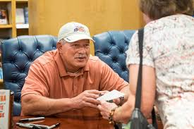 Lenny Dykstra Talks New Memoir Partying Playing Days - lenny dykstra still packs them in at book signing philly
