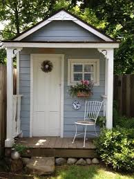 Diy Garden Shed Designs by Best 25 Painted Shed Ideas On Pinterest Small Sheds Summer