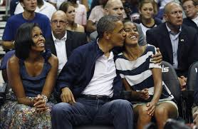 Obama First Family by Photos Over 8 Years First Daughters Malia And Sasha Grow Up In