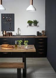 cuisine noir mat cuisine bois et noir moneykings