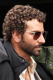 haircut for curly hair male celebrity men with curly hair male celebrities curly hair