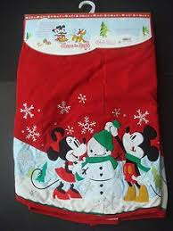 themed tree skirts minnie mouse christmas tree christmas minnie mouse