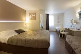 hotel dans la chambre chambre familiale chambre hotel le mans hotel pas cher sarthe 72