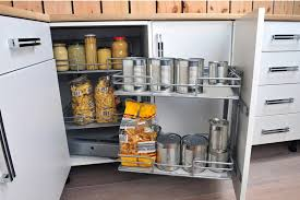 astuce rangement placard cuisine astuce rangement cuisine free bien range et organise une
