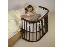 quand faire dormir bébé dans sa chambre sommeil du nouveau né et de sa mère liens avec l allaitement