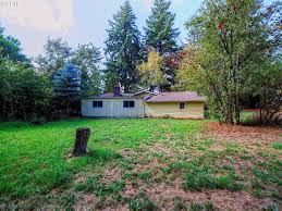 722 se 111th ave portland or 97216 mls 15535785 redfin