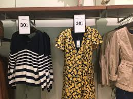 banana republic sales are business insider