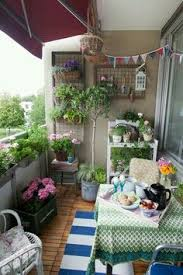 Decorating A Small Apartment Balcony by Descansar Na Rede Balconies Shabby And Apartments