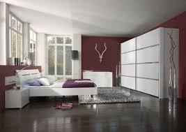 chambre prune et blanc chambre prune et blanc photo 2 10 une pièce avec une décoration
