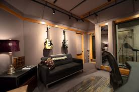 design room 3d online free with modern studio music with gray sofa