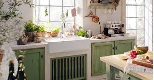 cuisine bois beton cuisine en beton cellulaire evier bois yellow kitchens