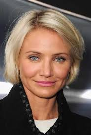 short hair cuts for women in late twentys age gracefully and beautifully with these lovely short haircuts
