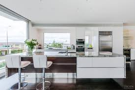 contemporary kitchen design by kira gray of fyfe kitchens has