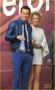 blake lively hotel exit with husband ryan reynolds photo 565844