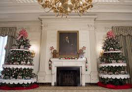 Obama Oval Office Decor An Inside Look At Michelle Obama U0027s Final White House Holiday