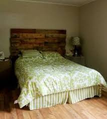 Wood Pallet Headboard Diy Wood Pallet Headboard With Instructions Live Lovely