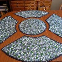 placemats for round table sid s in stitches easy placemats for a round table free pattern