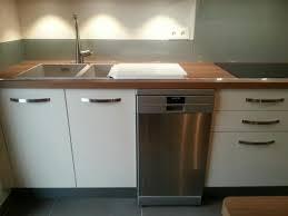 meuble cuisine a poser sur plan de travail meuble de cuisine plan de travail la cuisine adopte la couleur