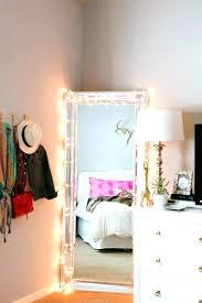 miroir dans chambre à coucher une chambre a coucher miroir chambre a coucher miroir de chambre a