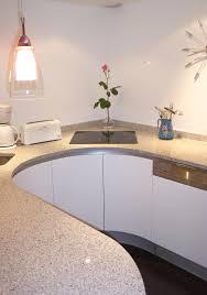 plan de travail en quartz pour cuisine plan de travail granit beige