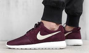 rosh run nike roshe run suede burgundy available